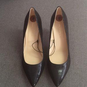 NWOT Marc Fisher Black Pointy Toe Heels (sz 8)